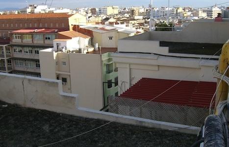 Reparación de cubierta en edificio de viviendas